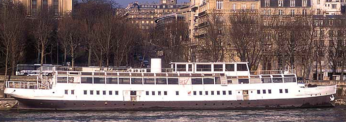 Nomadic on the River Seine